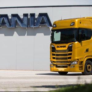 Scania apresenta série especial V8 Anniversary na Itália