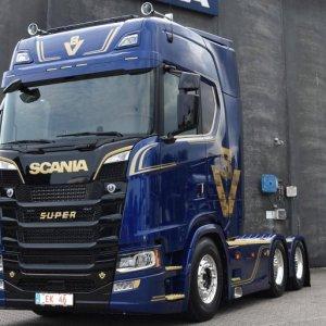 Scania da Dinamarca apresenta série especial para comemorar 50 anos do motor V8