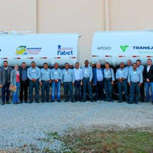 Fabet firma parceria com a Transjordano para formação de motoristas bitrem