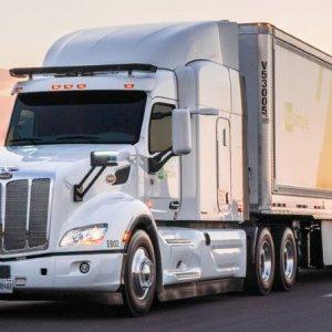 UPS já realiza entregas com caminhões sem motoristas no Estados Unidos