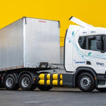 Pepsico compra 18 caminhões Scania movidos a gás