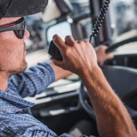 Usar rádio PX na Alemanha dará multas a caminhoneiros