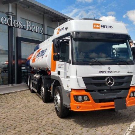 ON PETRO compra 22 caminhões Mercedes-Benz