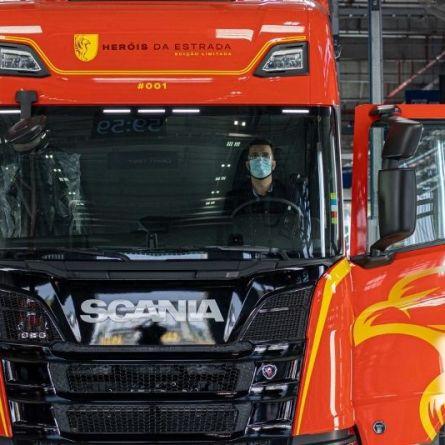 LM Transportes recebe o caminhão 001 da Edição Especial Limitada Heróis da Estrada da Scania