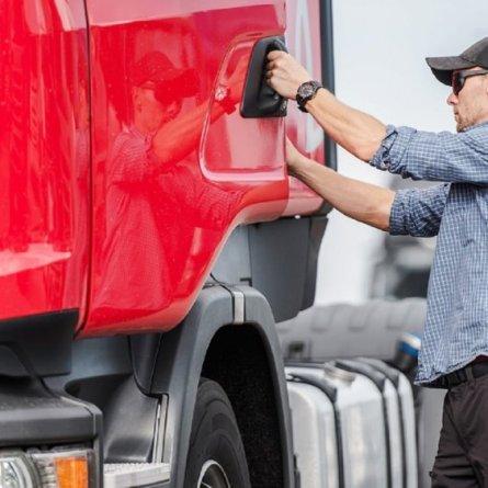 """Salário """"por fora"""" para caminhoneiros é ilegal e pode trazer problemas"""