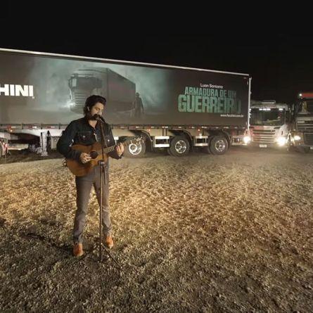 Luan Santana grava clipe junto com a Facchini em homenagem aos caminhoneiros