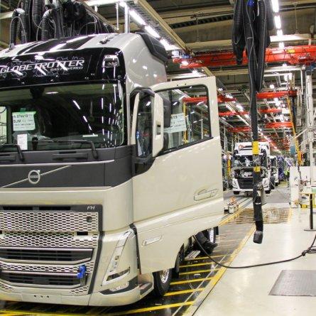 Volvo inicia produção da nova geração de caminhões na Europa