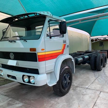 VW 22-160 zero KM com motor V8 a álcool está a venda por R$ 370 mil