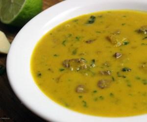 Sopa cremosa de carne com cabotiá