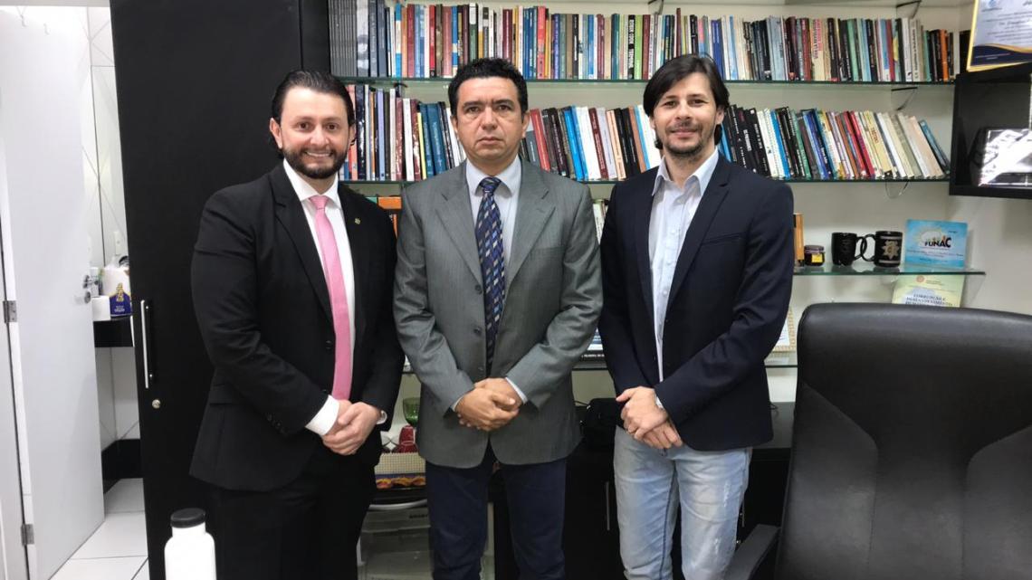 Deputado Dr. Leonardo Sá discute diretrizes para desenvolvimento de Pinheiro e da Baixada Maranhense