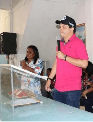 """Pinheiro – Luciano Genésio oferece secretaria de assistência social """"para Deus e o mundo"""" desrespeitando a secretária da pasta Selma da colônia"""