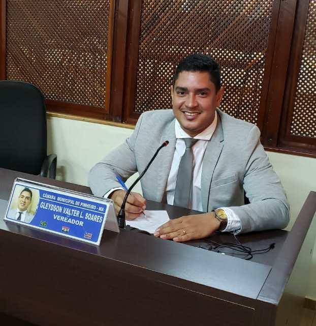 Vereador Valter Soares manifesta apoio aos professores da rede Municipal de ensino em Pinheiro