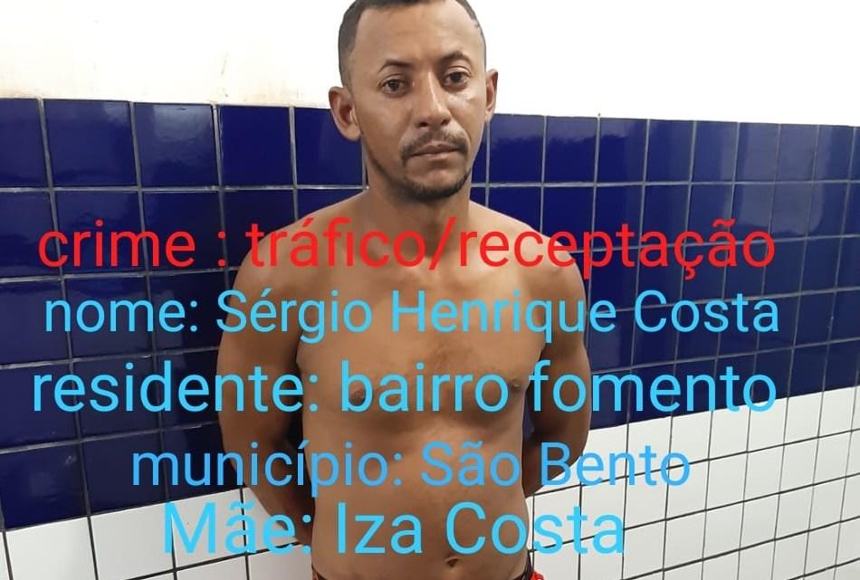 Homem é preso com moto BMW roubada, 260 papelotes de cocaína e 4 tabletes de maconha em Viana