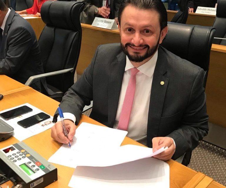 """Leonardo Sá solicita inclusão de Pinheiro no Programa """"Mais Renda"""""""
