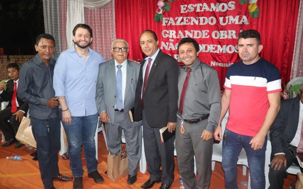 Leonardo Sá faz doação de mais uma moto para Assembleia de Deus em Pinheiro