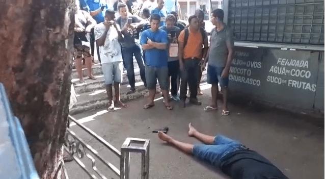 Homem tira a própria vida em praça após matar amigo da companheira