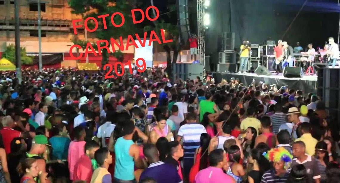 Vergonha – Para esconder fracasso, mídia de Genésio divulga fotos do carnaval dizendo ser do Réveillon 2019