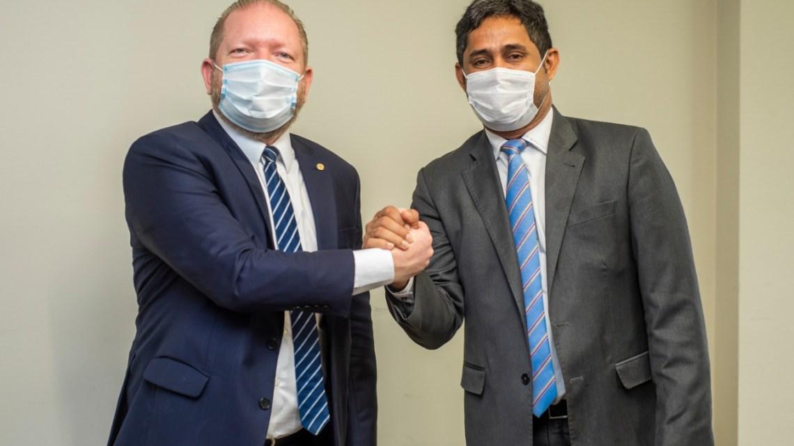 Prefeito eleito de Pedro do Rosário, Toca Serra reúne-se com presidente da assembléia Othelino Neto e garante benefícios para o município