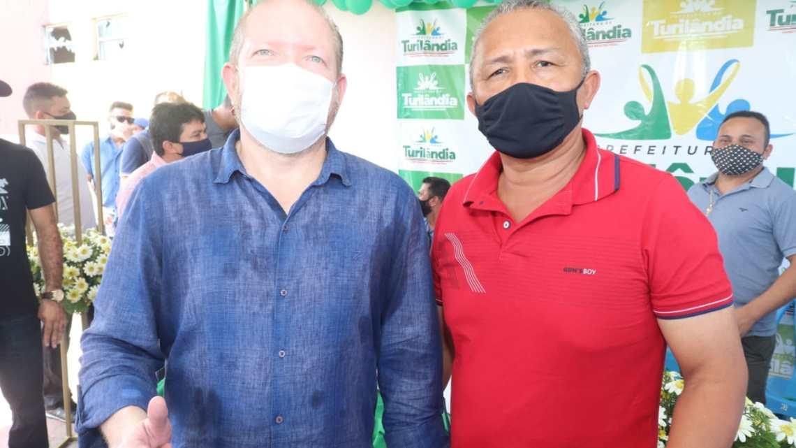 Vereador Ribinha Sampaio participa da solenidade de entrega de cestas básicas e equipagens, realizada pelo deputado Othelino Neto na manhã desta sexta-feira (20) em Turilândia