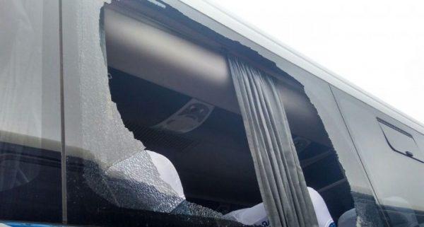 Pânico – Ônibus é apedrejado por vândalos entre os Municípios de Mirinzal de Central do Maranhão