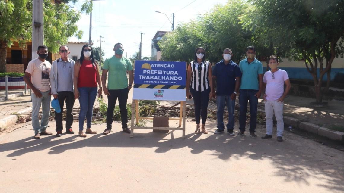 Vereadores fiscalizam obras que estão sendo executadas pela prefeitura de São Vicente Ferrer