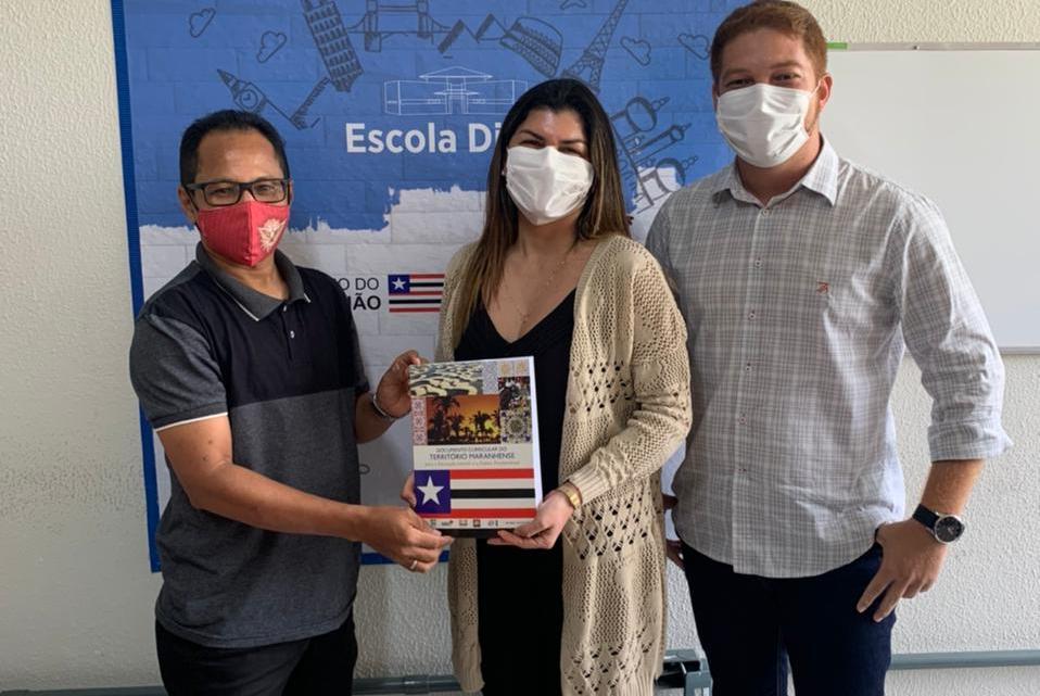 Secretário de Educação de Porto Rico do Maranhão, Prof. Santos, e o líder político Edson Tocha, buscam junto à SEDUC-MA importantes benefícios para o Município