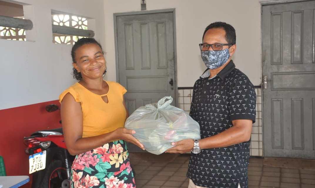 Prefeitura de Porto Rico, realiza entrega de kits de alimentação escolar aos alunos da rede Municipal de ensino, veja