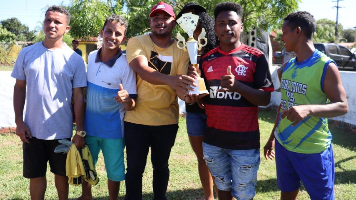 Torneio do dia dos Pais organizado pelo vereador Prof. Zeca, foi um grande sucesso em São Vicente Ferrer, veja