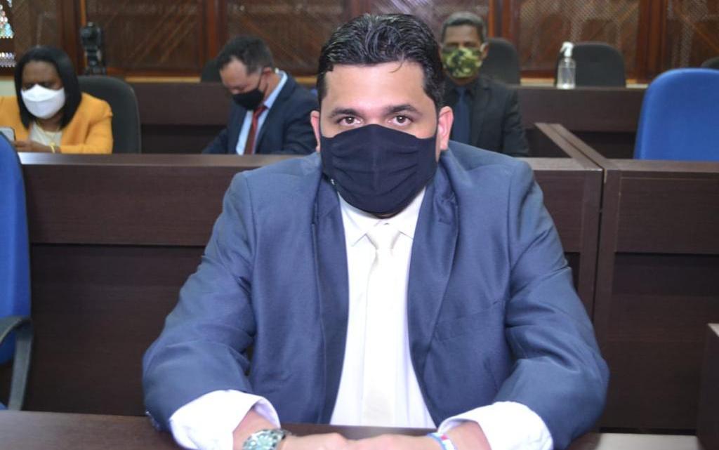 Vereador Felipe de Chicão faz monção de agradecimento à bancada Federal Maranhense, pela destinação de recursos para construção do hospital do câncer em Pinheiro