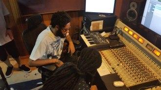 Emicida e Rael finalizam disco de rap luso-brasileiro