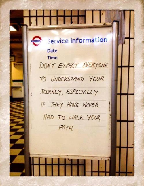 Frase Metrô de Londres