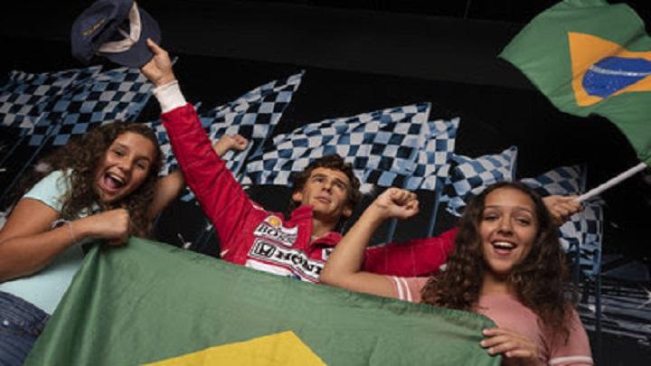 Ayrton Senna é homenageado no Madame Tussauds de Orlando