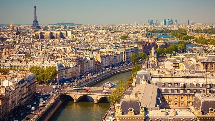 Prefeitura de Paris é multada por ter mulheres demais em cargos de chefia