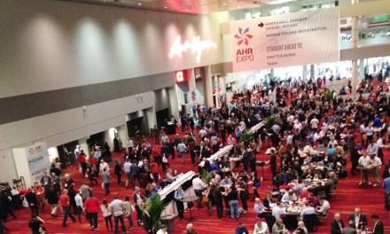 Otimismo embala 1º dia da AHR Expo