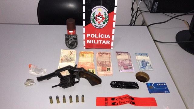 PATOS – Polícia encerra festa clandestina, prende duas pessoas e apreende arma de fogo