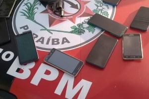 Polícia recupera celulares e apreende arma com dupla suspeita de assalto em Soledade