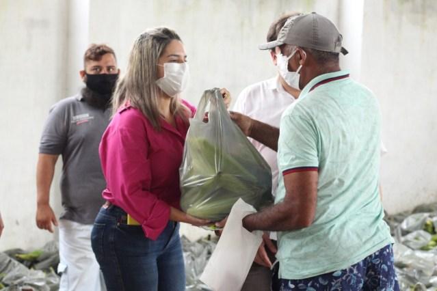 Prefeitura de Conde entrega 18 toneladas de milho à população em situação de vulnerabilidade social