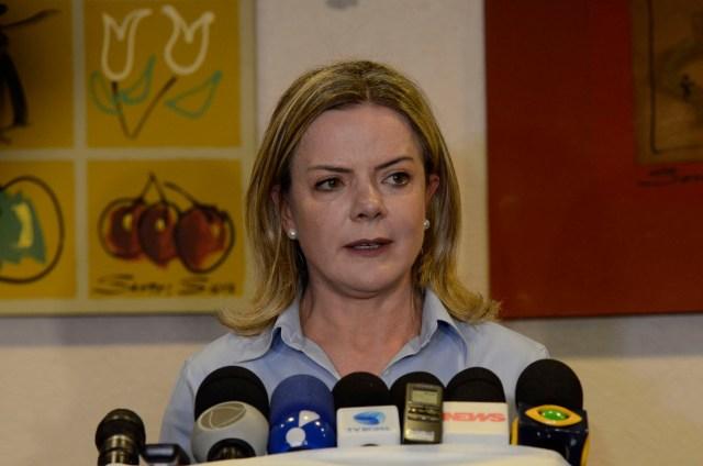 Gleisi intervém para impor retorno de Ricardo Coutinho ao PT e enfrenta forte resistência