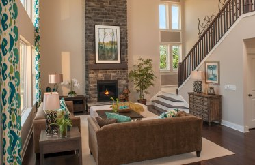 Ash Lawn 2-story family room