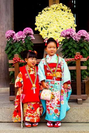 Shichi go san, two cheeky girls