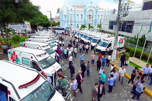 Resultado de imagem para José Adécio participa de entrega de ambulância na Assembleia Legislativa