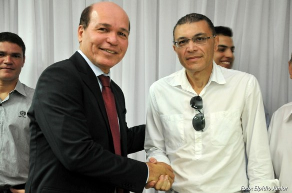Vereador Albert Dickson, presidente da Câmara, deu posse a Júnior Grafith