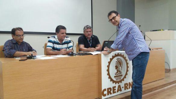 José Augusto Rêgo registra candidatura para presidente do CREA