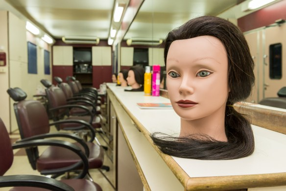 Unidade Móvel do Senac oferta cursos na área de beleza (1)