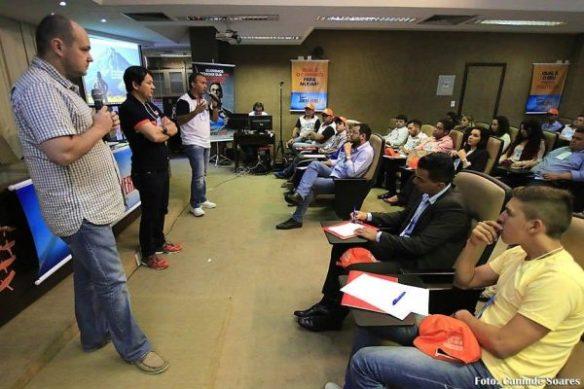 Publicitário Pedro Ratts, jornalista Washington Rodrigues e deputado Kelps são orientadores na Escola de Jovens Líderes