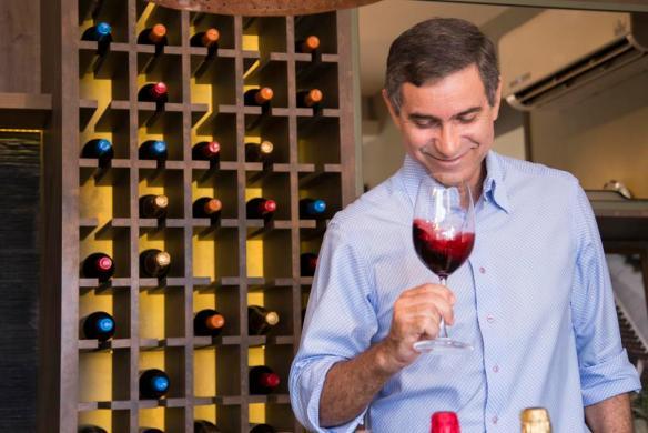 Gilvan Passos coordena degustação de vinhos nesta sexta, 26, no Lojão das Carnes da Cidade Verde