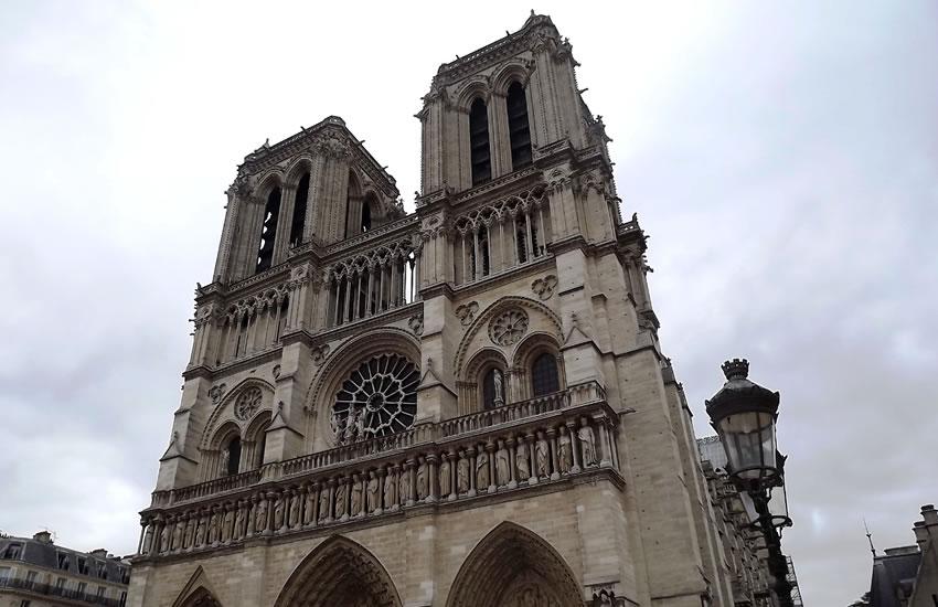 Roteiro: minha primeira vez em Paris – Visitamos a Catedral de Notre-Dame