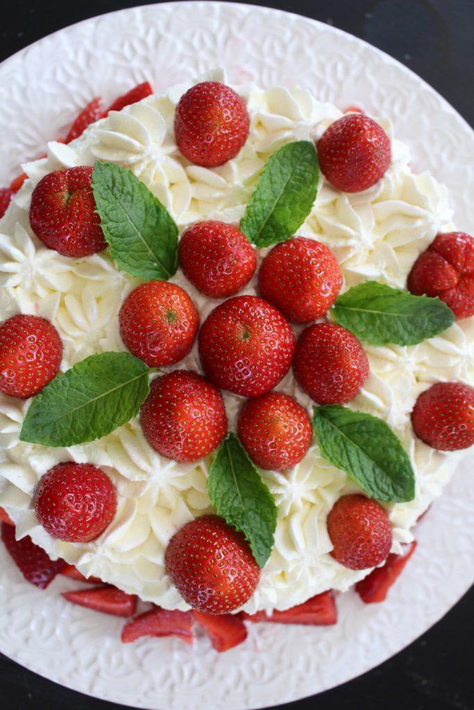 recept_tårtbotten_jordgubbstårta_midsommartårta