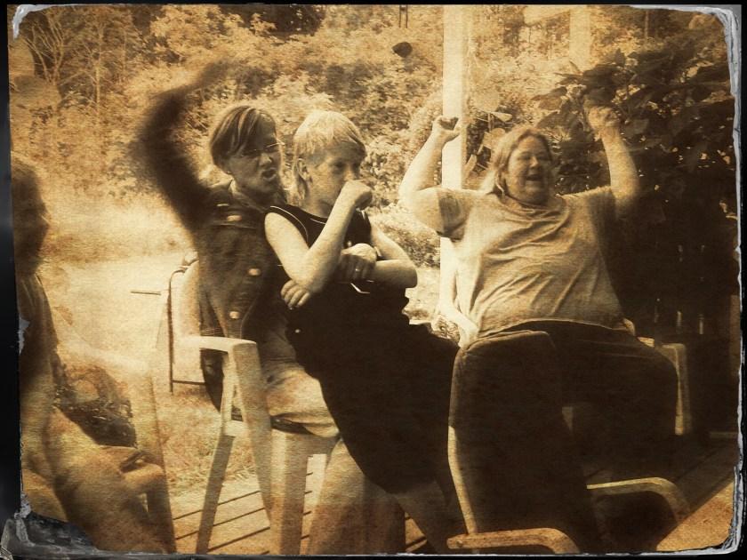 Allsång på altanen 2004 med goda vänner