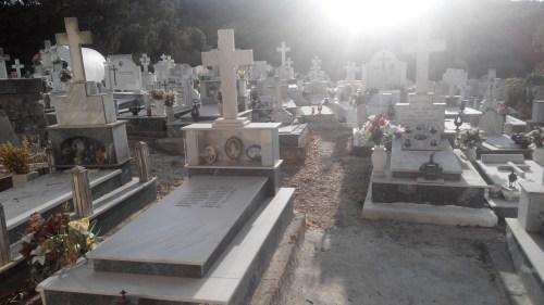фамильные склепы Корфу Греция